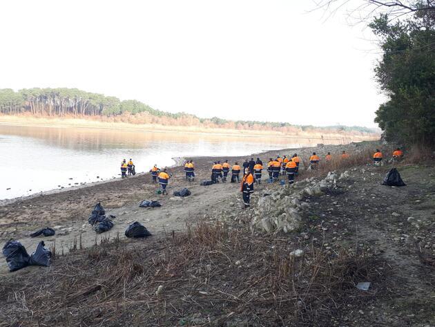 İstanbul'da baraj havzalarından 40 ton atık çıktı