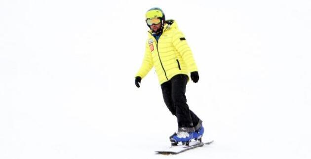 Palandöken'de kısıtlamada kayak keyfi