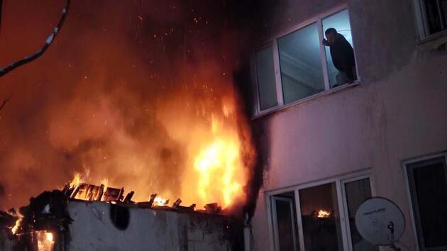 Yangının kasıtlı çıkarıldığını öne süren komşu: Papağanlarıma zarar gelirse hesaplaşırız