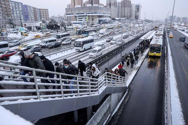 İstanbul'da trafik yoğunluğu yüzde 85'e kadar çıktı