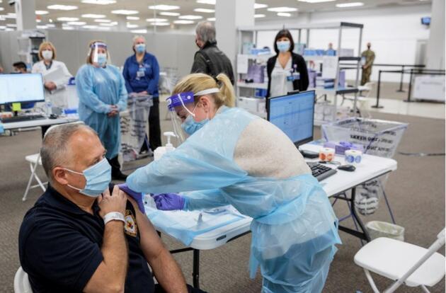 10 kişi alerjik reaksiyon göstermişti: California'da Moderna aşısının dağıtımını 'durdurma' tavsiyesi