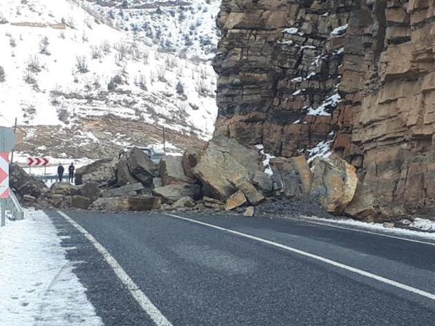 Hakkari yolları çığ ve heyelan nedeniyle kapandı