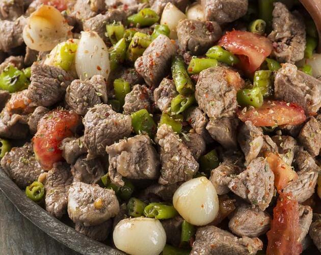 Eti pişirmeden önce sakın bunu yapmayın! Gizli tehlike, çoğu kişi bilmiyor