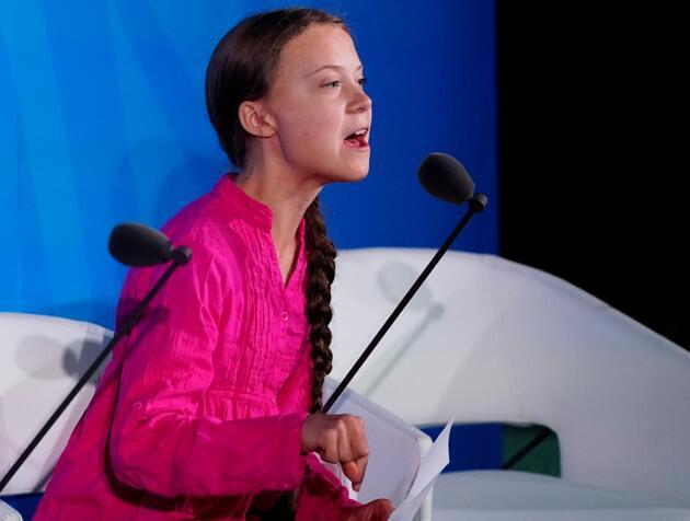 Greta Thunberg, Donald Trump'ı 'kendi sözleriyle' uğurladı