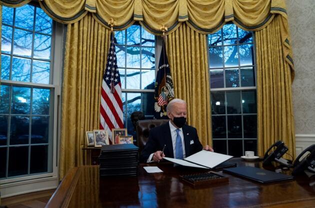 ABD Başkanı Biden, Trump'ın 'diyet kola düğmesini' kaldırdı