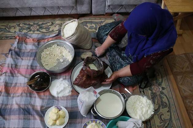 Hazırlanışı bir hafta sürüyor! Oğlak derisinde yaşatılan geleneksel lezzet