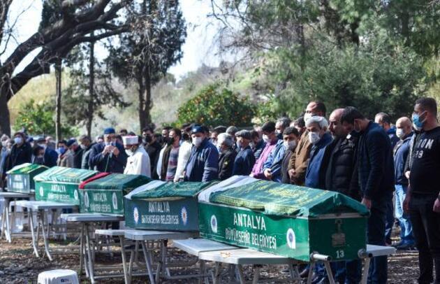 Katliam gibi kaza: Gözyaşları içinde toprağa verildiler