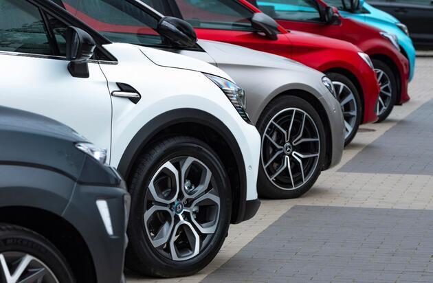 Kur düşüyor, otomobil fiyatları neden düşmüyor? Otomotivcilerden yanıt