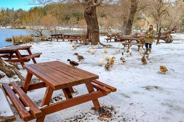 İzmir Karagöl Tabiat Parkı'ndan kar manzaraları