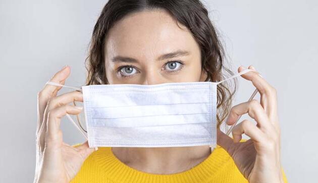 Maskeyi sakın böyle kullanmayın! Ağızda mantara neden oluyor