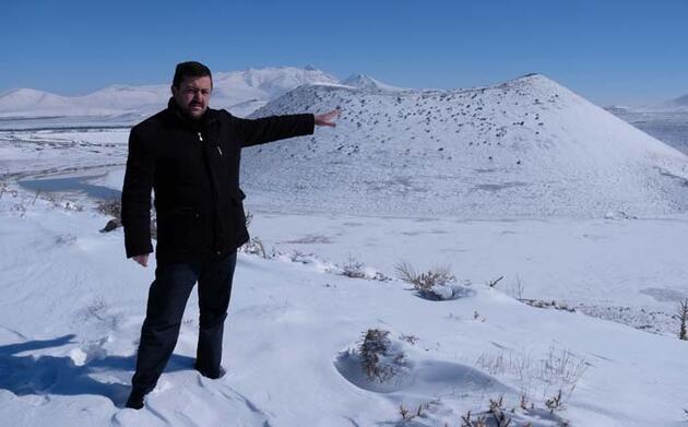 'Dünya'nın nazar boncuğu' Meke Gölü bembeyaz