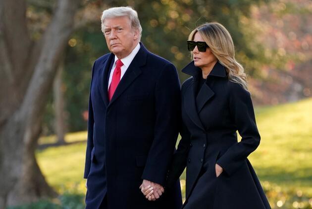 Trump çifti Beyaz Saray'dan ayrıldıktan sonra ilk kez görüntülendi