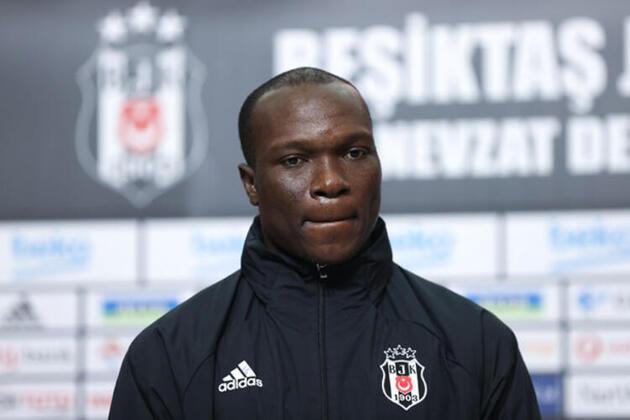 Son dakika... Beşiktaş 10 futbolcuyla masada!