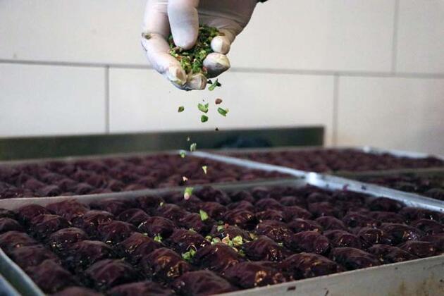 'Mor baklava' üretti, siparişlere yetişemiyor! Kilosu 100 TL