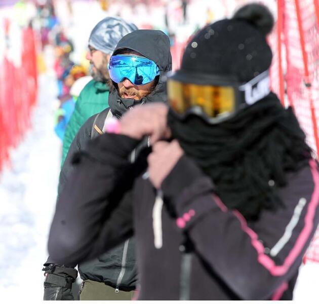 Kayak merkezlerinde hafta sonu yoğunluğu