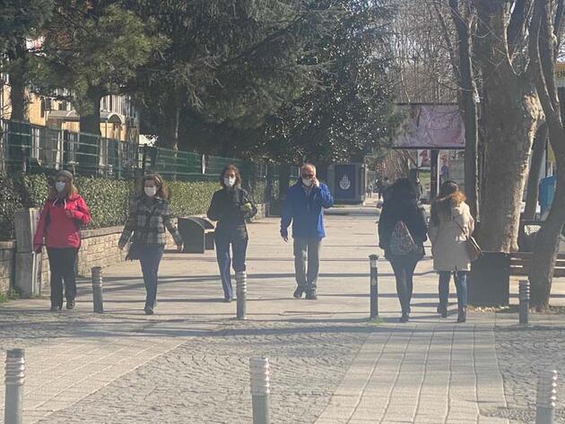 Kadıköy'de kısıtlamanın ikinci gününde yoğunluk yaşandı