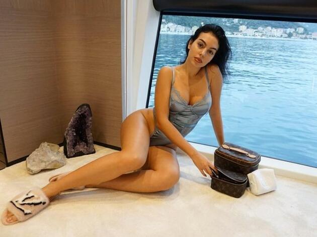 Georgina Rodriguez boş durmuyor