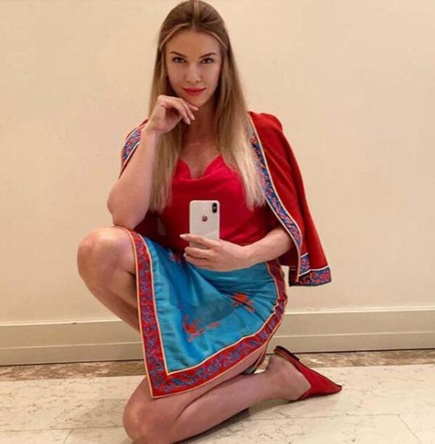 Ivana Sert karın kaslarını paylaşarak beğeni topladı