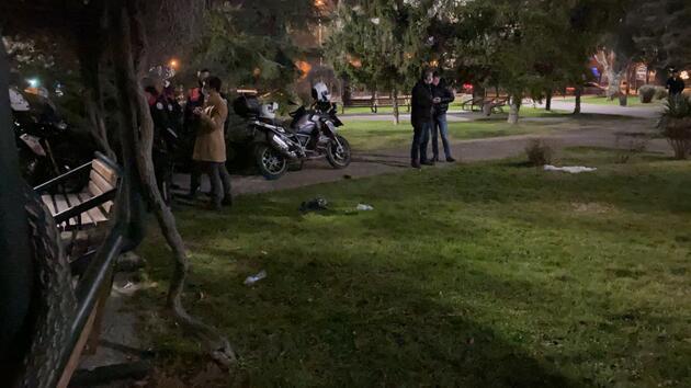 Parkta yolunu kesen kişiye 5 lira vermediği için bıçaklandı