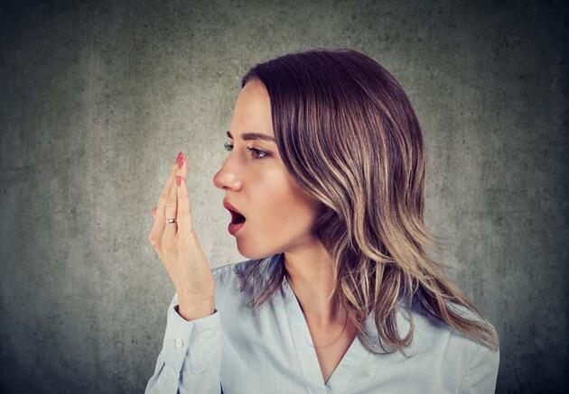 Maske kullanımı bu sorunu açığa çıkardı! Ağız kokusuna karşı 7 etkili yöntem