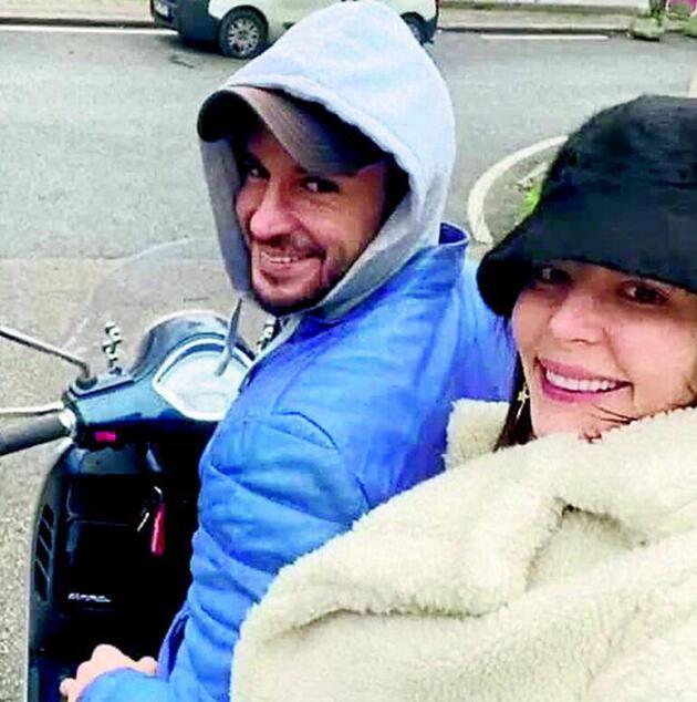 Yıldız Çağrı Atiksoy-Berk Oktay motosikletle tura çıktı