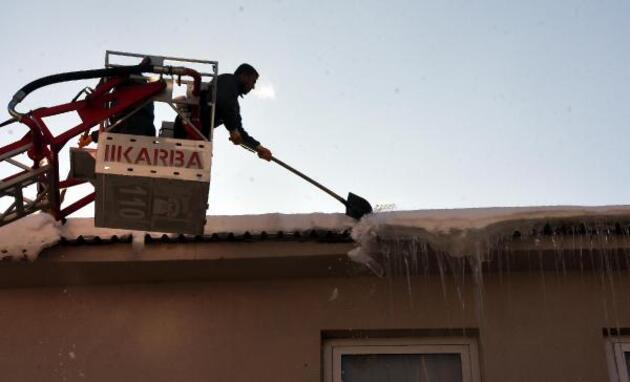-20 derecede buz sarkıtları oluştu: Çığ uyarısı yapıldı