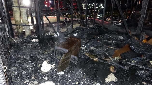 Sobadan çıkan yangın tek katlı evi kül etti, enkazdan 'Kur'an-ı Kerim' çıkarıldı