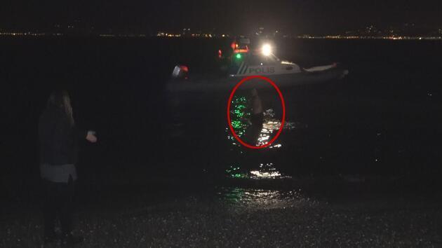 Polisten kaçmak için denize atladı