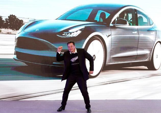 Çin'de 4.500 dolarlık elektrikli aracın satışları Tesla'yı solladı