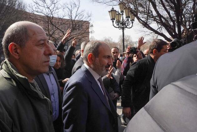 Ermenistan'da tarihi anlar! İşte kare kare yaşananlar...