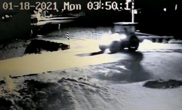 Jandarma, traktör hırsızlarını 312 saat güvenlik kamerası görüntüsü inceleyerek buldu