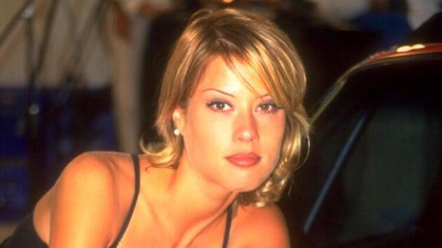 90'lı yılların yıldız ismiydi! Kariyerini bırakıp ABD'ye yerleşen Begüm Özbek şimdi ne yapıyor?