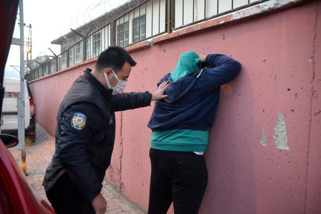 Polisin 'dur' ihtarına uymadı! Ara sokakta yakalandı