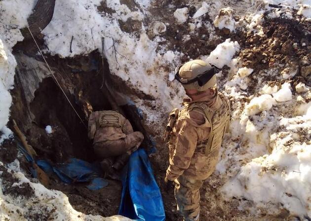 'Eren-7 Operasyonu'nda karla kamufle edilen 3 sığınak kullanılamaz hale getirildi