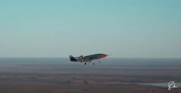 Boeing ile Avustralya ordusu, pilotsuz savaş uçağının test uçuşunu tamamladı