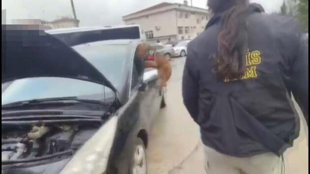 Otomobilin çamurluklarından 27,5 kilo 'eroin' çıktı