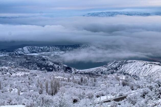 Ermenek'te kar kalınlığı 35 santime ulaştı