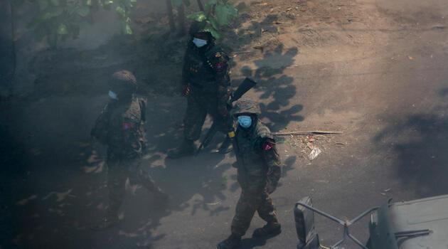 Son dakika... Myanmar'daki protestolarda can kaybı 6'ya yükseldi