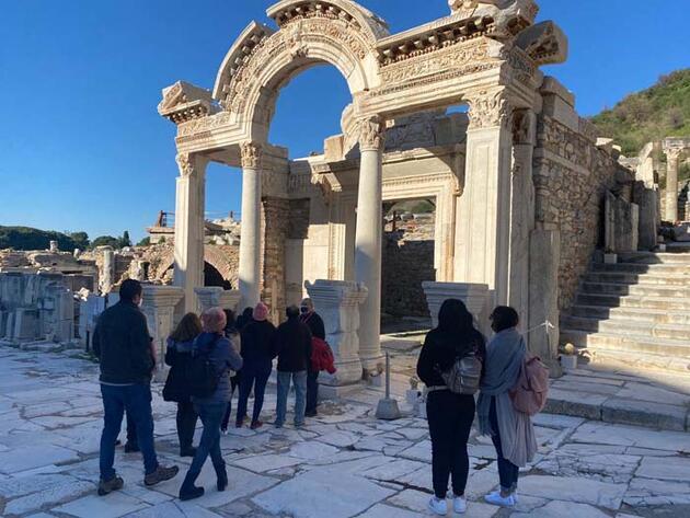 Efes Antik Kenti, pandemi döneminde de güvenli turizmin adresi oldu