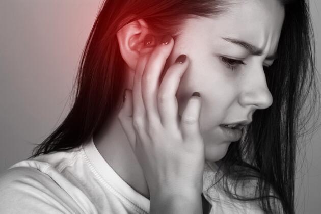 Kulakta tıkanma, enfeksiyon ve kanamaya yol açıyor! Asla böyle temizlemeyin!Kulak çöplerine dikkat!