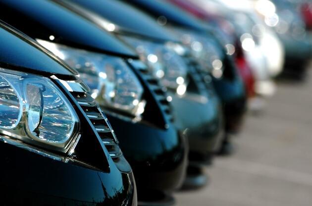 Taksit kararı sonrası son fiyatlar: İşte 200 bin TL'nin altındaki sıfır araçlar