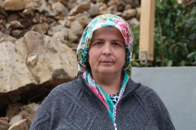 Rize'de heyelan: 3 ev tahliye edildi