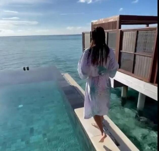 Ebru Şallı'nın Maldivler tatilinden yeni paylaşım