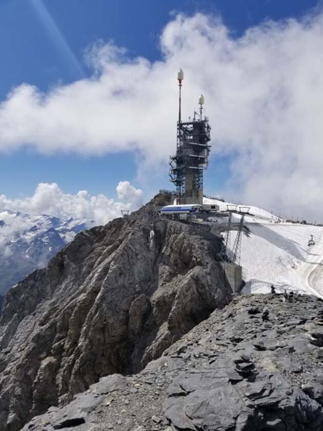 İsviçre Alpleri'nin büyüleyici zirvesi Titlis! Emre Ünlü yazdı...