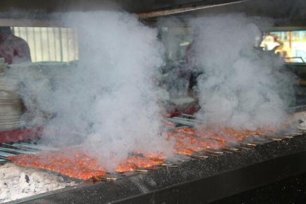 Adana'da normalleşmeyle birlikte günlük et tüketimi 32 tona ulaştı