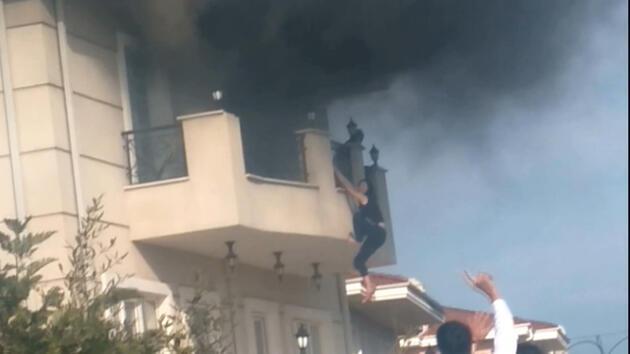 İstanbul'da villada dehşet anları: Alevlerden kaçmak için balkondan sarktı
