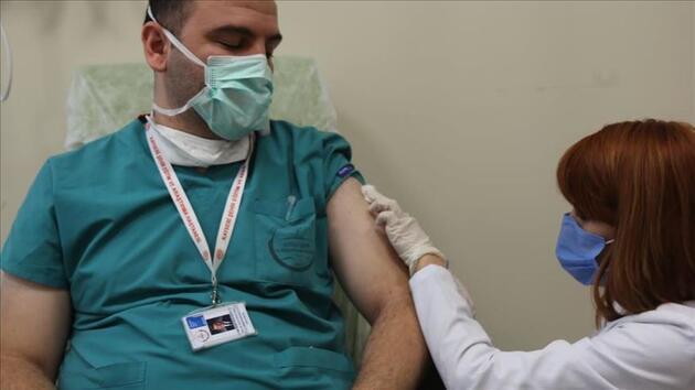 Bilim Kurulu üyesi Akın: Aşı günü belki oruç tutulmayabilir