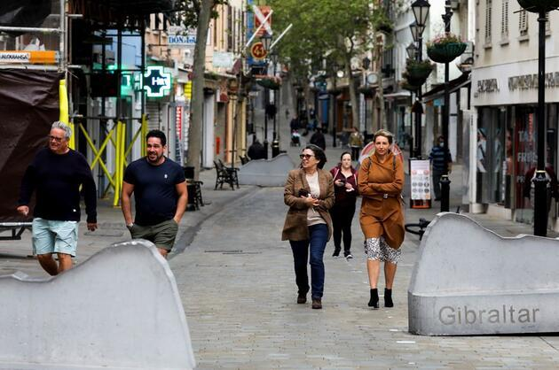 Yetişkin nüfusunun yüzde 90'ından fazlasını aşılayan Cebelitarık'ta hayat normale döndü