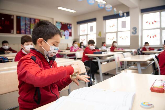 Çocuklarda mutant virüs tehdidi: Okullarda vaka olunca neler yapılıyor?