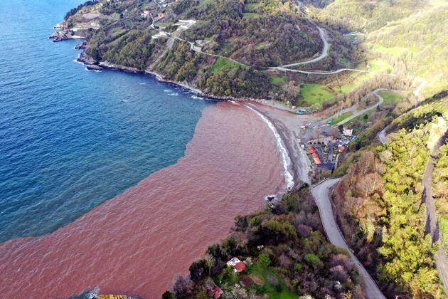 Korkutan görüntü! Denizin rengi çamura döndü
